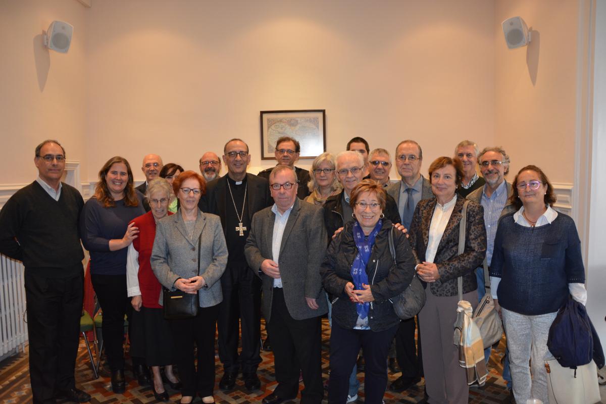 Arquebisbe de Barcelona visita la seu de Mans Unides Barcelona