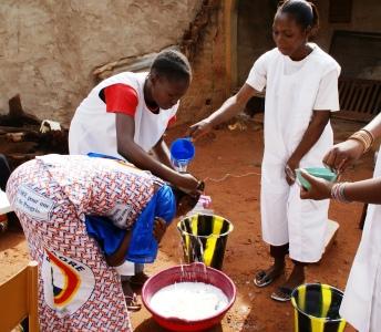 Campanya solidària d'ajuda a un refugi per a joves de Burkina Fasso