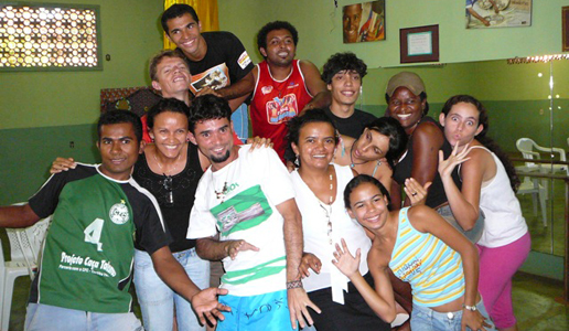 Campaña Manos Unidas 2014: Testimonio desde Bosnia y Brasil