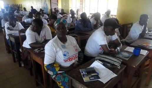 Alumnos del curso de formación sobre el Ébola en Sierra Leona