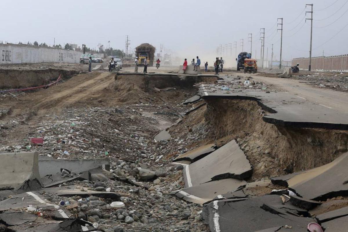 Carretera destrossada a Trujillo per les inundacions