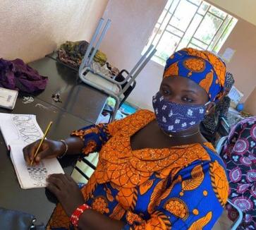Adolescentes y mujeres africanas ante la COVID-19