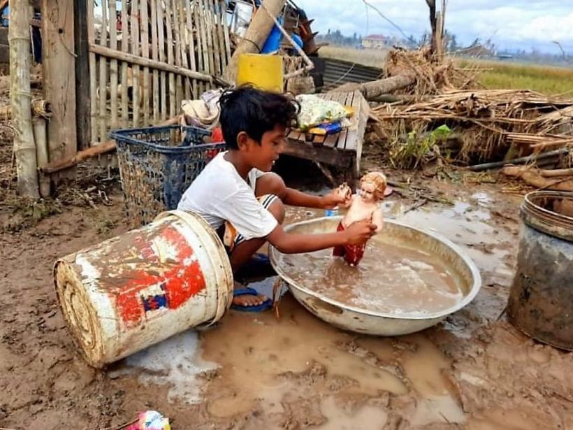 Danys ocasionats pel tifó Rolly a Filipines. Foto: BCDI/Mans Unides