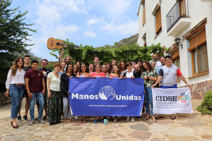 Foto de grupo de los participantes en el I Campamento Sostenible para Jóvenes de Manos Unidas. Foto. Manos Unidas