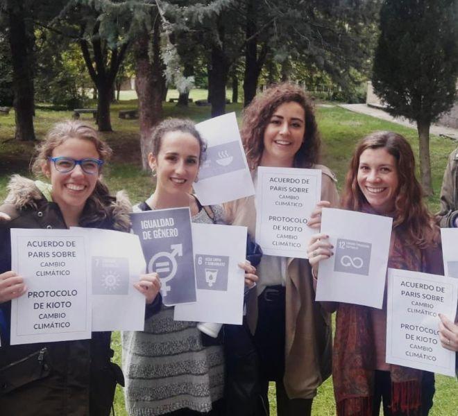 Las jóvenes participantes en las actividades programadas en Polonia durante la COP24 . Foto Manos Unidas