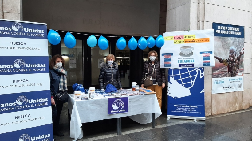 Taula informativa en la jornada del Dejuni Voluntari a Osca.