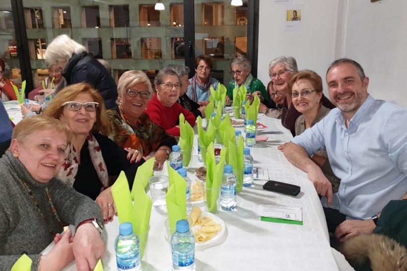 """El Centre Cívic """"El Passeig"""" acull un Sopar de la Fam"""