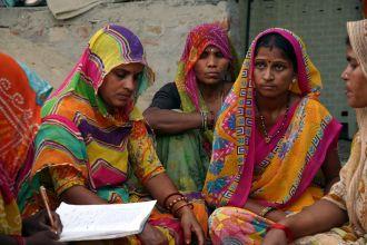 Mujeres aborígenes del estado indio de Assam. Foto: Manos Unidas / Javier Fernández