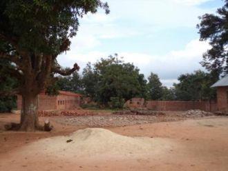 Construcción de una aula en Manica. Foto: Manos Unidas / Mamen Lucas