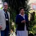 Sor Luz Divina Sánchez, superiora local, i José Román López, Director-Gerent de l'Hospital Mare de Déu de la Mercè