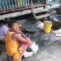 Refugiados birmanos trabajando en barcos pesqueros