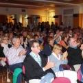 """El públic aplaudeix de forma entusiasta als protagonistes de """"Sin Avales"""""""