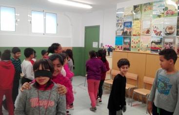 Tallers de Mans Unides a les escoles pel Dia de No Violència i de la Pau