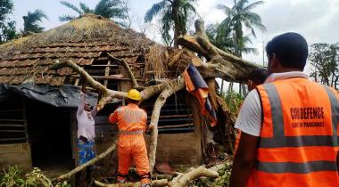 Destrucción total tras el paso del ciclón Amphan por India