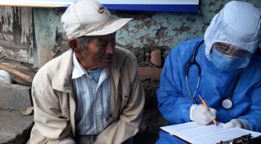 Atención sanitaria a pacientes de los barrios del sur de Quito. Proyecto: Apoyo Comunitario Integral por Emergencia del Coronavirus. Foto: Fundación Tierra Nueva (Ecuador)